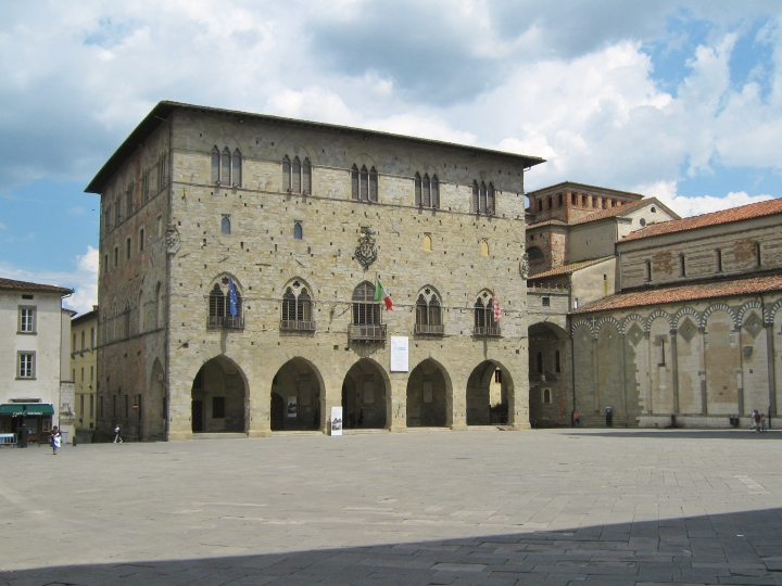 pistoia_-palazzo_comunale-_1
